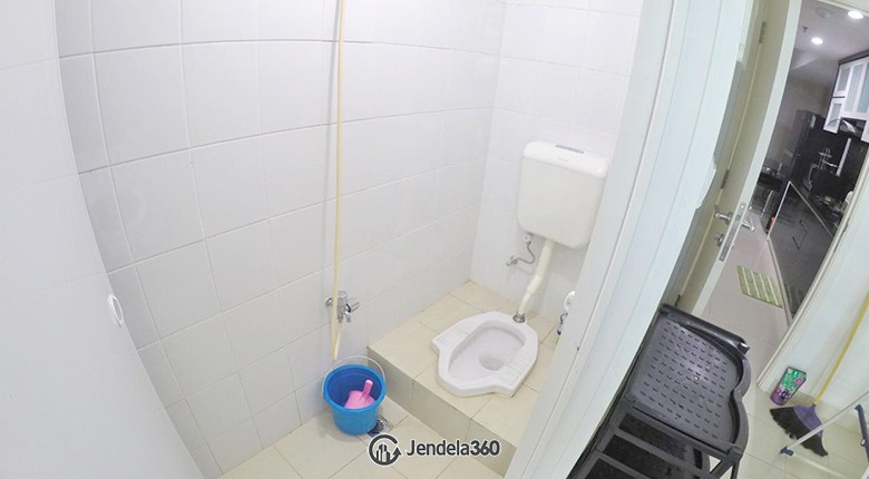 maid bathroom Casa Grande Apartment