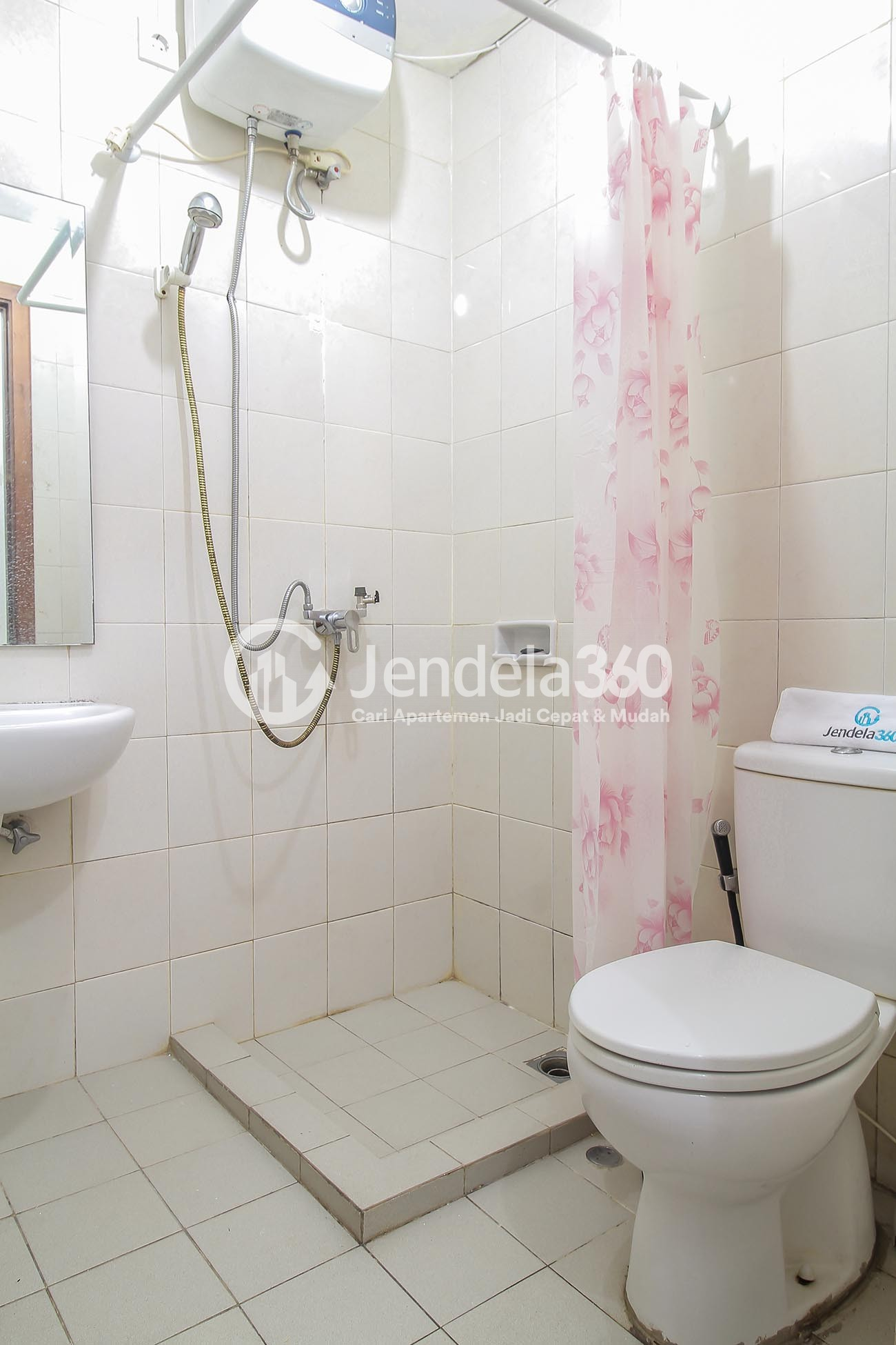 Other Thamrin Residence Apartment