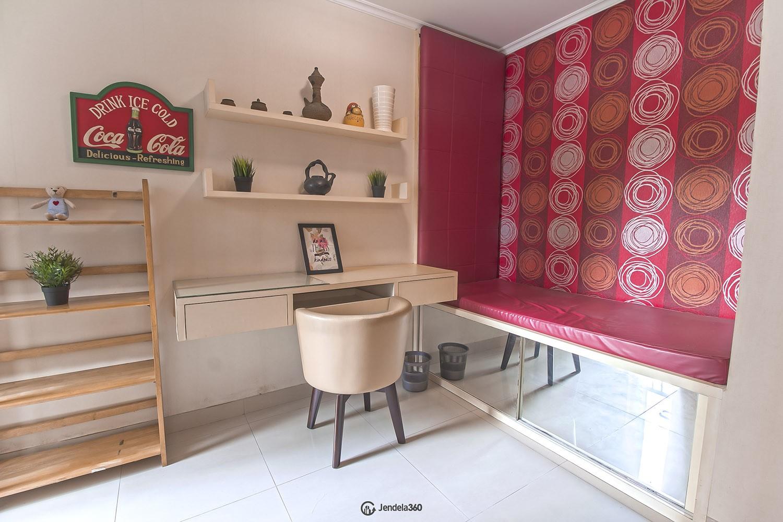 Study room Hamptons Park Apartment