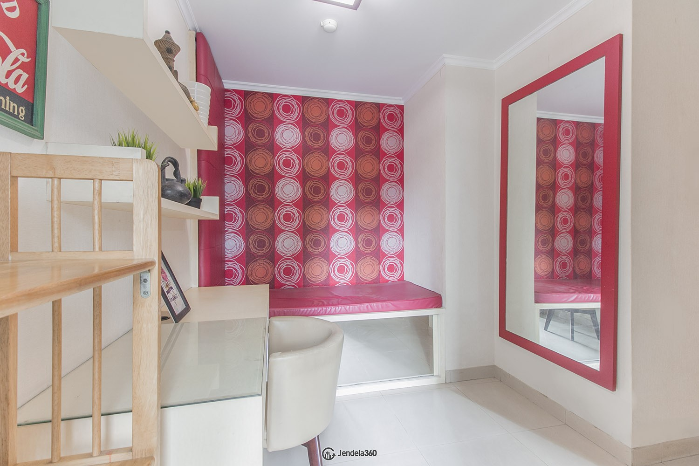 Study room Hamptons Park Apartment Apartment