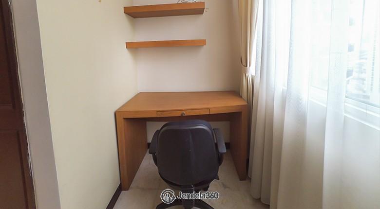 study room Apartemen Bellagio Residence