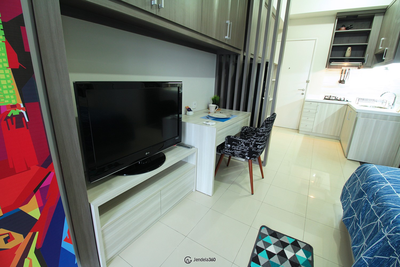 TV Apartemen Season City Apartment