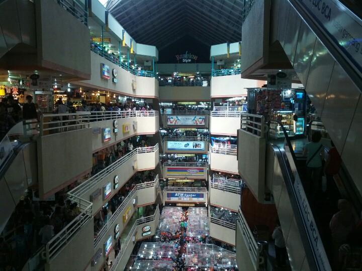 6 Pilihan Mall Untuk Belanja Di Mangga Dua Jendela360