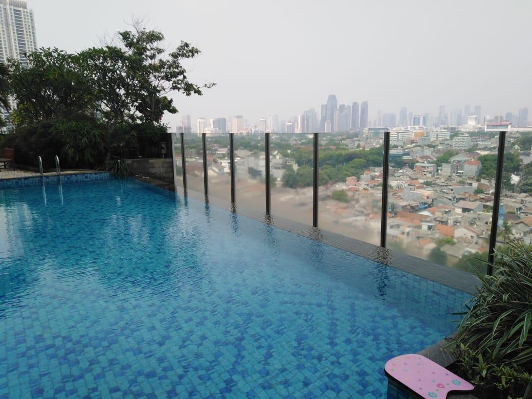 gandaria heights swimming pool