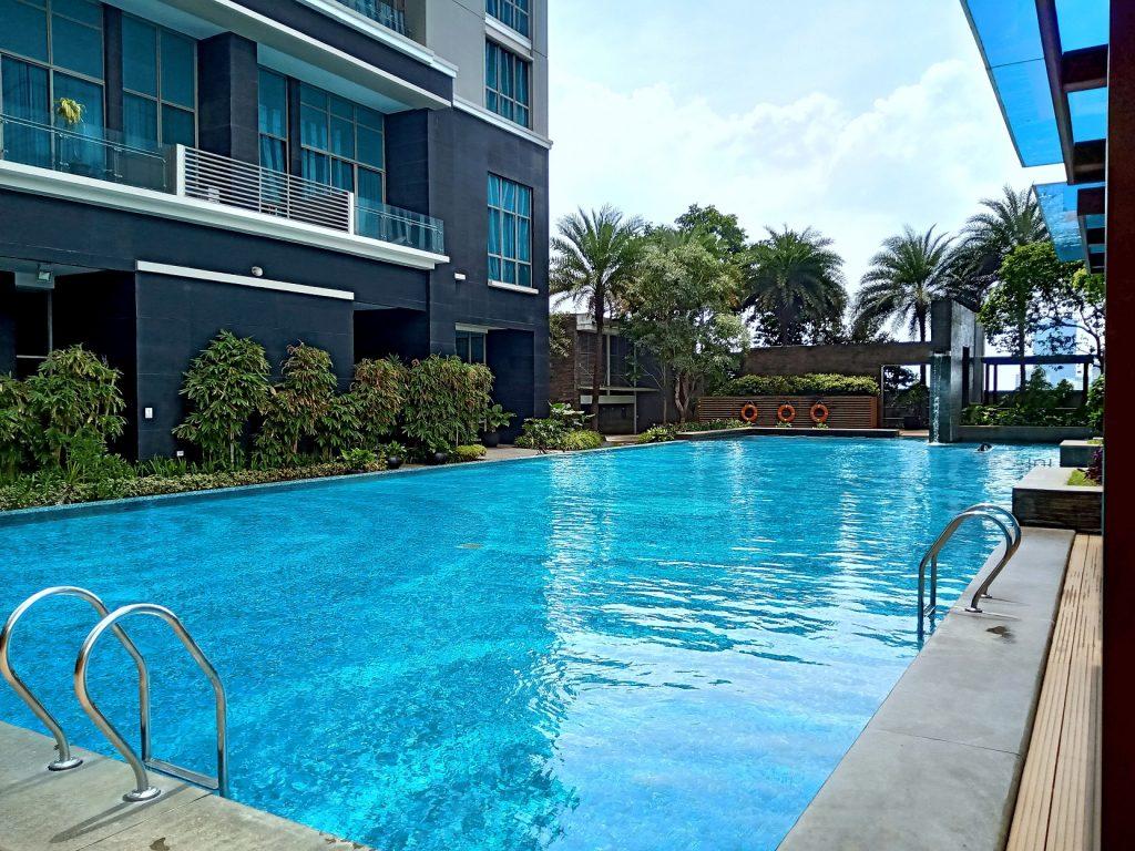 Residence 8 Senopati Apartment Swimming Pool