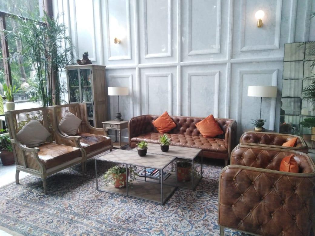 lobby sudirman suites jakarta